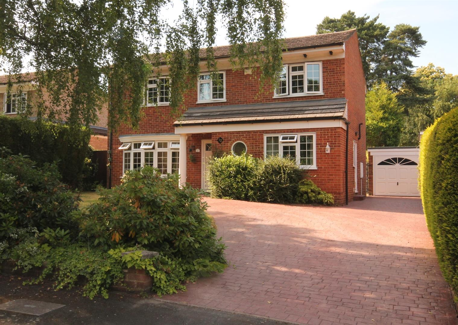 Properties Estate Agents Farnborough Hampshire Mitchell Partners Detached Full Brick Brand New Home On Wiring House To Garage